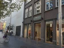 Modeketen Gimbrère vertrekt uit Bergen op Zoom en Oosterhout