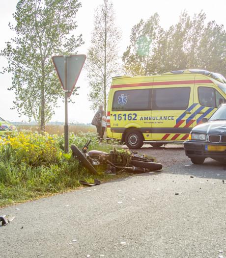 Scooterrijder raakt gewond na aanrijding met auto in Wilnis