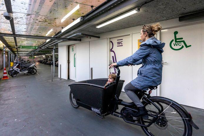 In parkeergarage Wolvenhoek is een toilet bij de openbare fietsenstalling.