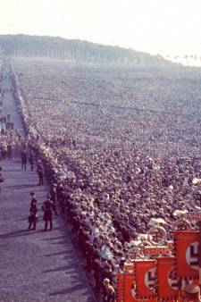 'Van kijken naar een hakenkruis word je nog geen nazi'