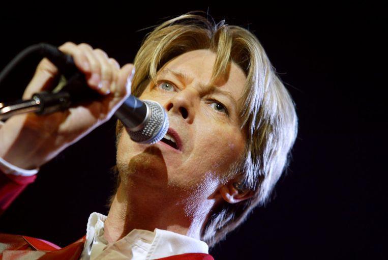 De ogen van David Bowie hadden een verschillende kleur. Het gevolg van een ruzie om een meisje, vertelt zijn jeugdvriend.