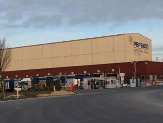 """Aantal besmettingen bij Pepsico Veurne loopt op tot acht: """"Drie kwart van de fabrieksmedewerkers heeft zich al getest"""""""