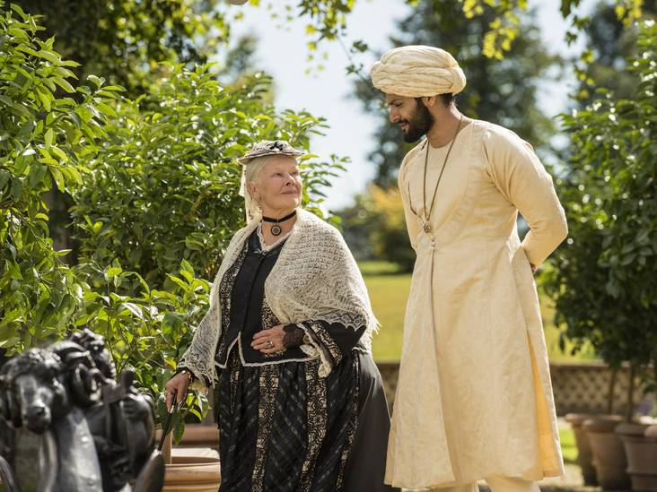 Judi Dench is in topvorm in royaltydrama Victoria & Abdul
