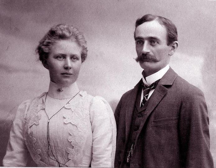 Frederick Trump met zijn vrouw Elizabeth.