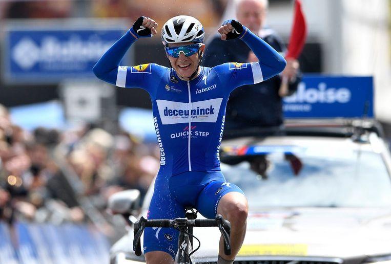 Remco Evenepoel na winst in de tweede etappe van de Baloise Belgium Tour. Beeld Photo News