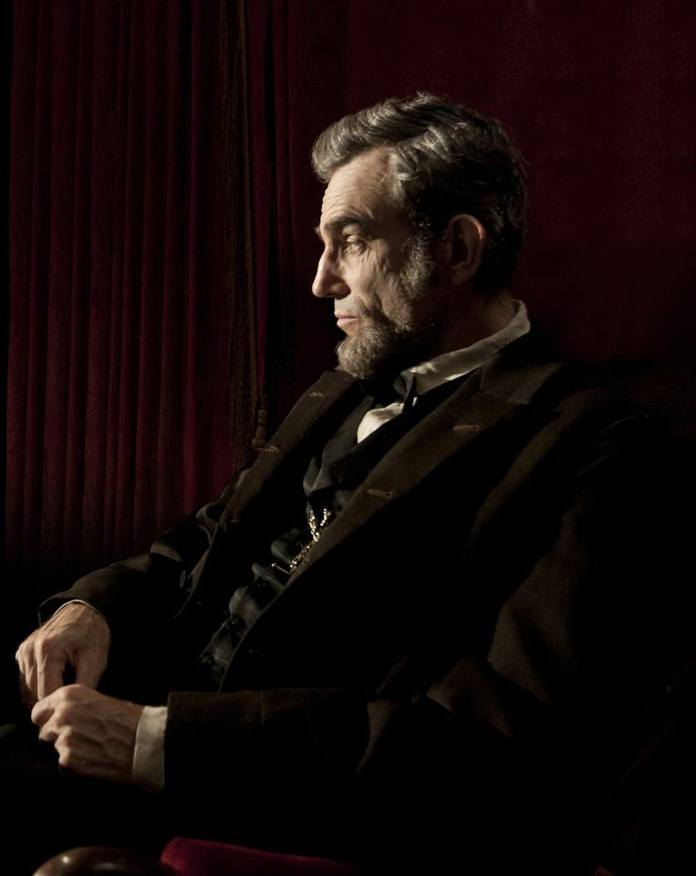 Daniel Day-Lewis als president Abraham Lincoln in 'Lincoln'. Beeld AP