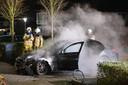 In december brandde op dezelfde parkeerplaats aan de Nijerwalstraat in Zwolle de vorige Mercedes van dezelfde eigenaar uit.