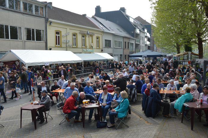 De 1 mei-feesten of Bellemanfeesten op de rechteroever lokten veel volk.
