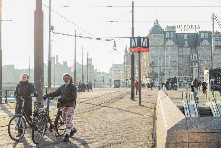 Amsterdam bungelt qua besmettingsaantallen onderaan de ranglijst.  Beeld Anouk Hulsebosch