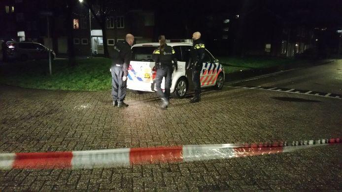 De politie onderzoekt de omgeving na meldingen van een schietpartij in Vlissingen.