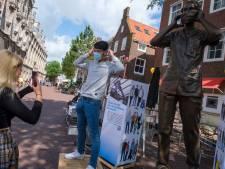 Drie meter hoge Anique brengt ode aan mensen met onmisbaar beroep: 'Zij verdienen meer dan één keertje applaus'