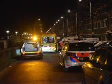Vrouw (29) zwaargewond bij steekpartij in woning op Soestdijksekade