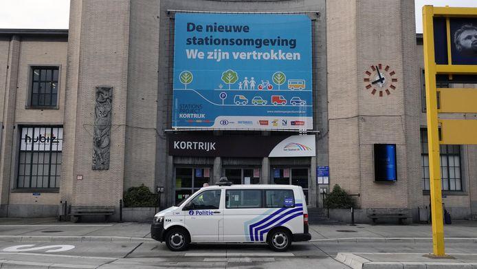 De politie van de zone Vlas deed een drugcontrole in en aan het station van Kortrijk.