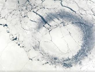 Mysterieuze cirkels op oudste meer ter wereld stellen wetenschappers voor raadsel