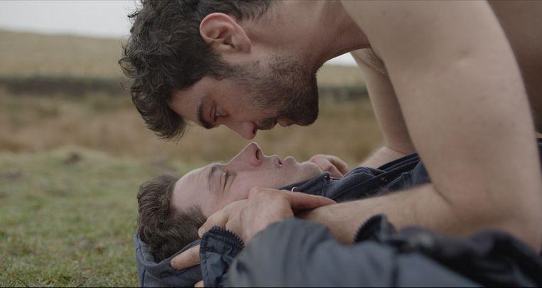 Josh O'Connor en Alec Secăreanu In 'God's Own Country' . Beeld RV