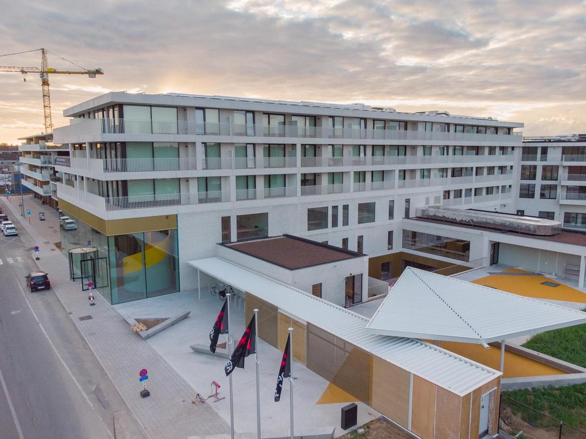 Een luchtbeeld van het nieuwe Kunstencentrum in Aalter.