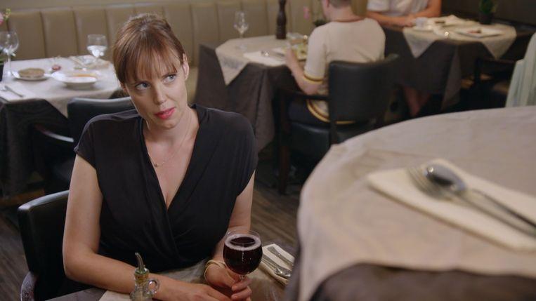 Liesa Naert in 'De Anderhalve Meter Show'. Beeld VIER