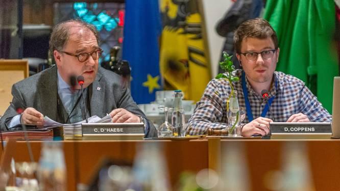 """Gemeenteraad gaat voor modernisering: """"Nieuw stemsysteem, slimme camera's en live uitzending"""""""