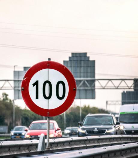 Verkeer op de A12 loopt vertraging op tussen Reeuwijk en Woerden