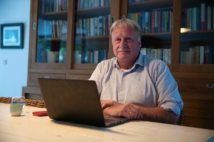 Etten-Leurenaar William Buys geeft al erg lang les als onderwijskundige en schreef een boek over werkplezier in het onderwijs, dat in oktober uitkomt in Nederland en België.
