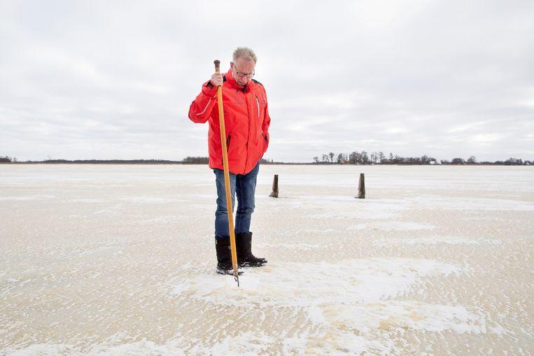 Roelof Groen staat op de route van de Overijsselse Merentocht. Beeld Herman Engbers