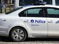 Une femme agressée par trois individus à Waterloo, un policier blessé