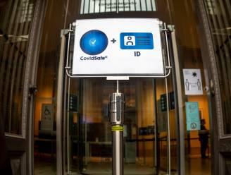"""Vakbonden: """"Covid Safe Ticket verplichten op werkvloer kan niet"""""""