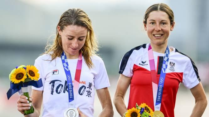 Van Vleuten sliep goed na vreemdste race uit carrière, Lieke Wevers trots op zus Sanne
