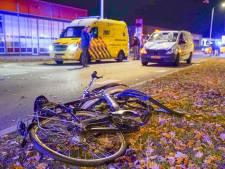 Fietser zwaargewond door botsing met bestelbus tijdens oversteken straat in Veldhoven