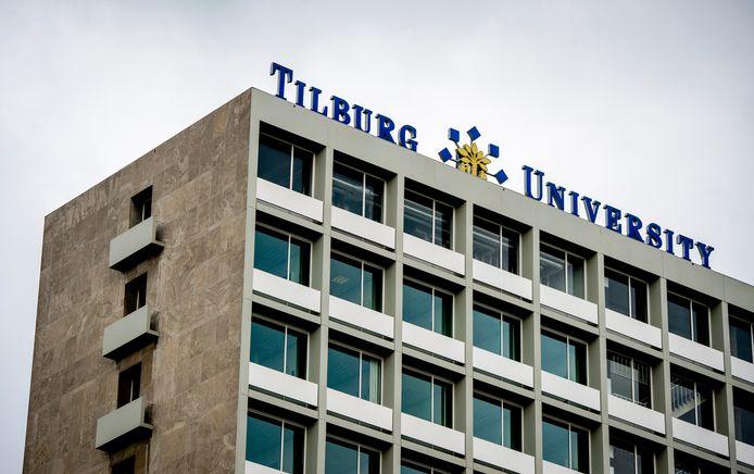Tilburg University droeg tot 2001 de naam Katholieke Universiteit Brabant.