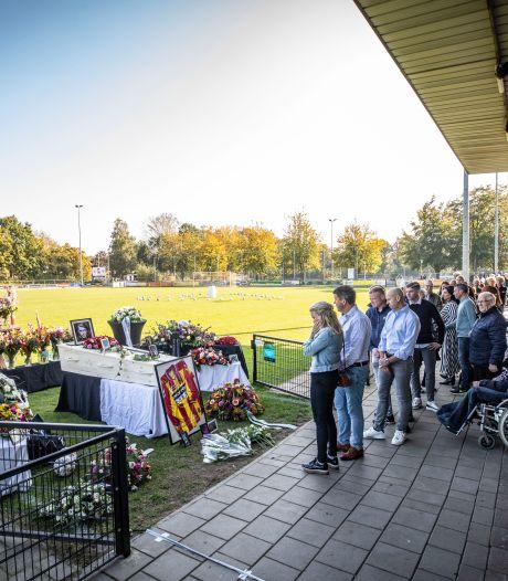 Indrukwekkend afscheid van Michel Lage Venterink op hoofdveld Quick '20