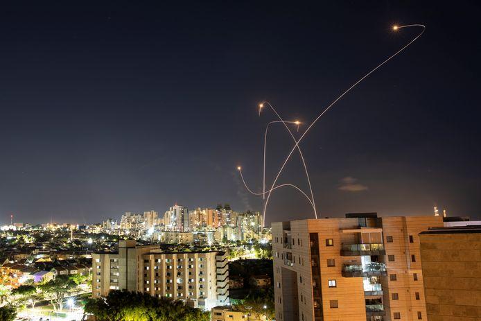 Archiefbeeld van Israëlische Iron Dome die raketten uit de lucht schiet