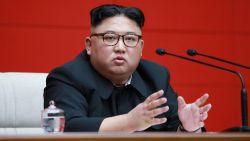 Kim Jong-un slaat hardere toon aan om sancties, Zuid-Koreaanse president spreekt met Trump