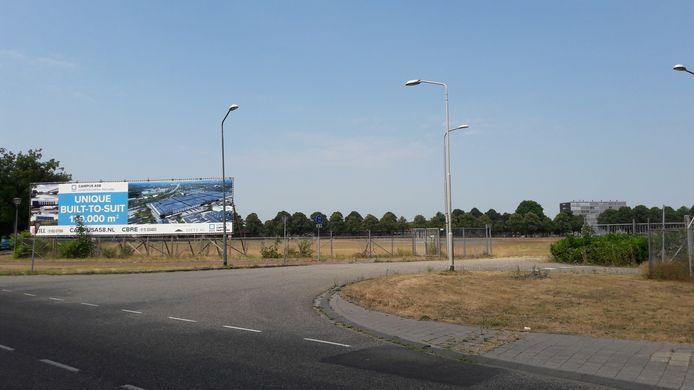 Oude ingang Philipsterrein in Bredaseweg Roosendaal (richting Zegge) waar LCP reclame maakt voor het nieuw te bouwen distributiecentrum.