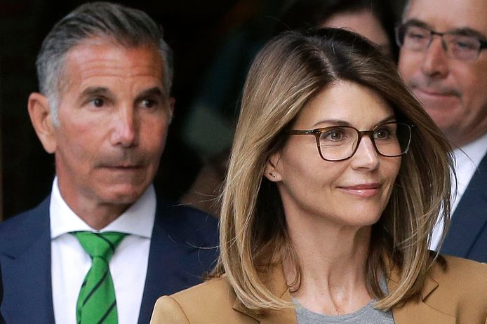 Lori Loughlin (rechts) en Mossimo Giannulli (links).