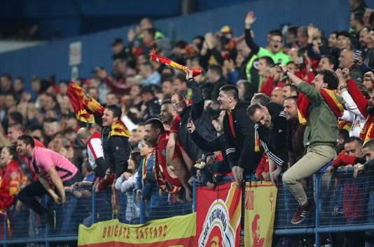 Supporters van Montenegro.