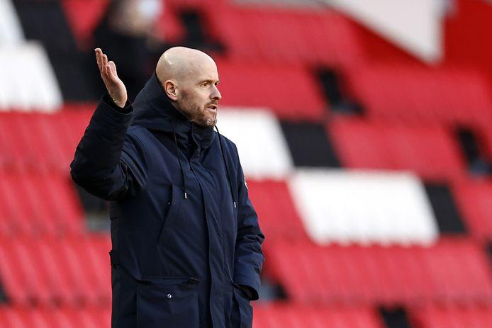 Erik ten Hag zag Ajax op de valreep een punt pakken tegen PSV.