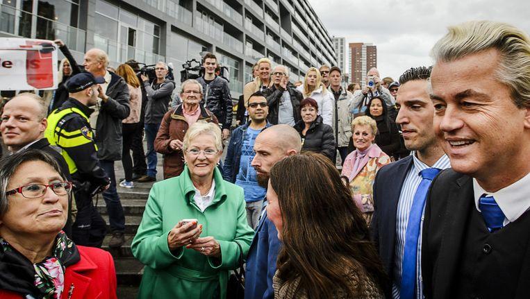 Geert Wilders voert actie in november in Rotterdam tegen de komst van een azc. Beeld ANP