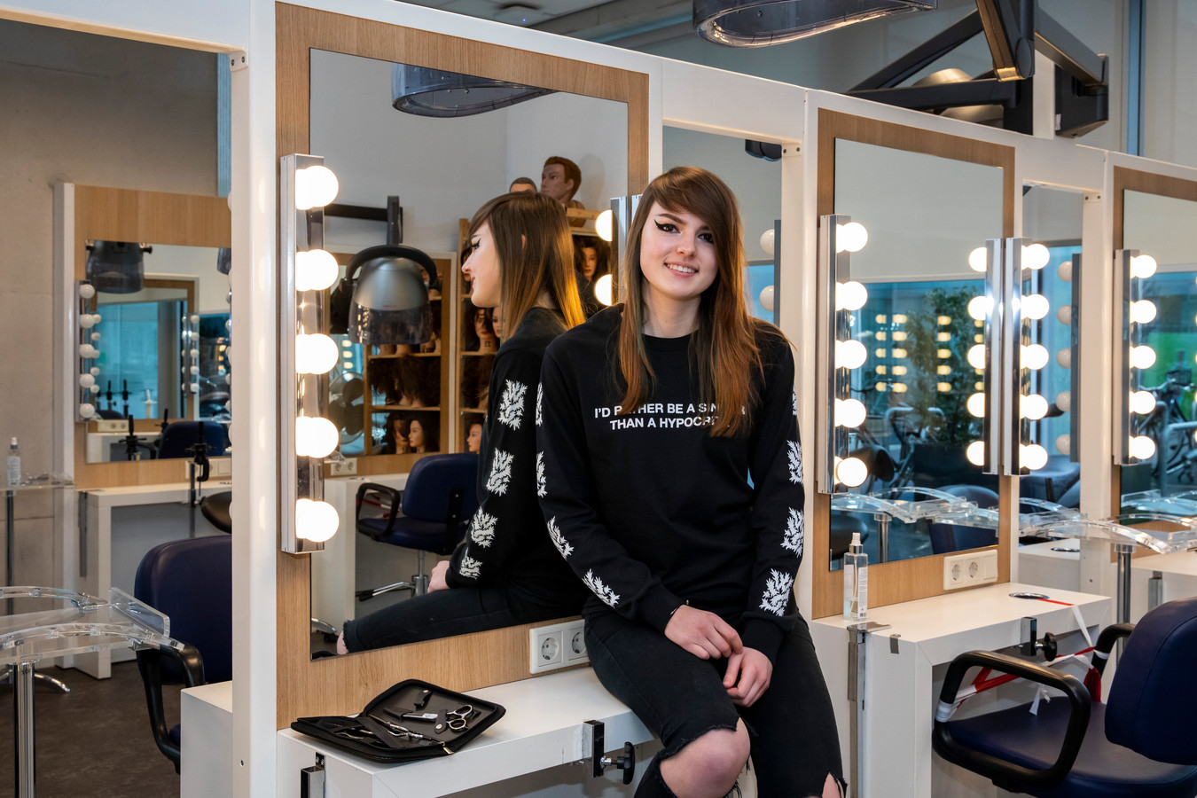 Robbin Lemmen op het Beauty & Fashion College van Zadkine in Hoogvliet.