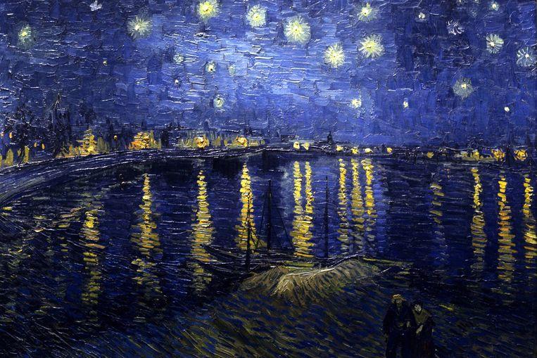 Hans Plets: 'We zijn een figurant in een kosmos die niet op onze maat gemaakt is'.  'Sterrennacht boven de Rhône', Vincent van Gogh. Beeld Getty Images
