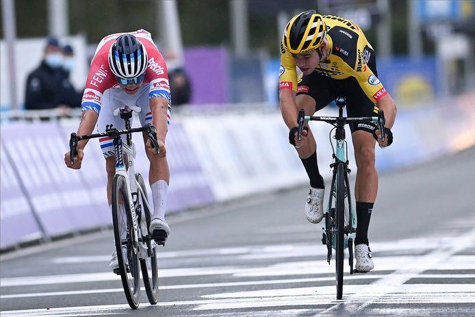 Van der Poel won de Ronde van Vlaanderen 2020 voor Wout van Aert.