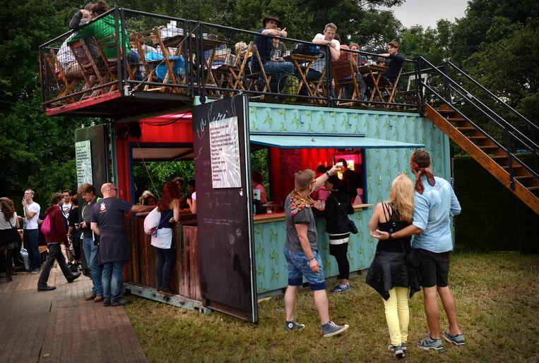 Bezoekers op Down the Rabbit Hole in 2014. Beeld Marcel van den Bergh/ de Volkskrant