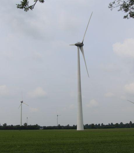 Splijtende verdeeldheid over windturbines in de polder