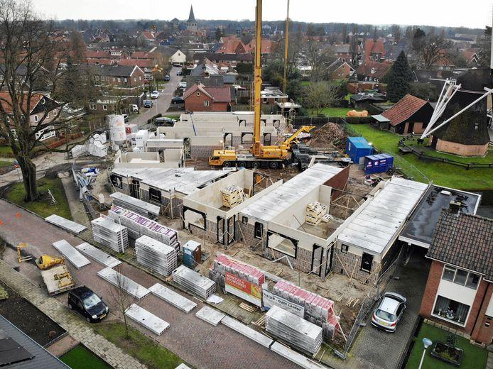 Nieuwbouwproject aan Hopmanstraat in Denekamp. In vijf jaar tijd kwamen er in het eerste kwartaal niet zo weinig nieuwe woningen gereed als dit jaar.