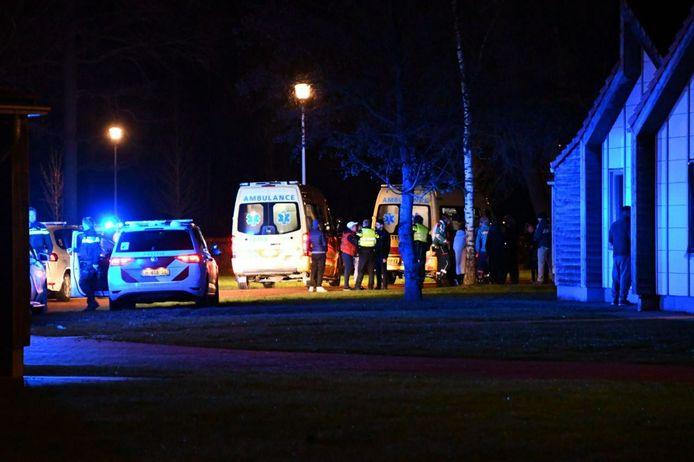 Hulpdiensten kwamen massaal ter plaatse vannacht bij een asielzoekerscentrum in Dronten.