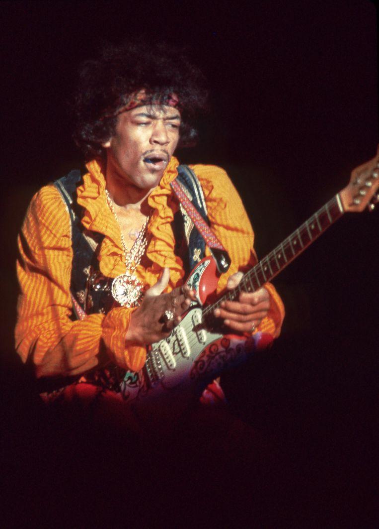 'Nadat hij Jimi Hendrix ontmoet had, begon Davis zijn trompet af te zetten tegen elektrische bas, gitaar en Fender Rhodes' Beeld Photo News
