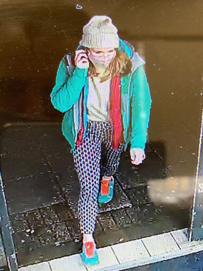 Des images de vidéosurveillance montrent Sarah Everard dans les rues de Londres, le soir de sa disparition.