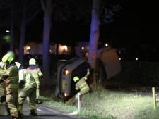Bijrijder (18) overleden na ernstig ongeval in Nijkerk, bestuurder zwaargewond