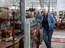 Struinen door nieuw warenhuis van brocante van zestien verschillende aanbieders: 'Gezellige meuk'
