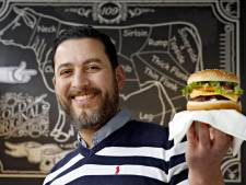 Moslims aan de hamburger in Rotterdam, maar wel halal